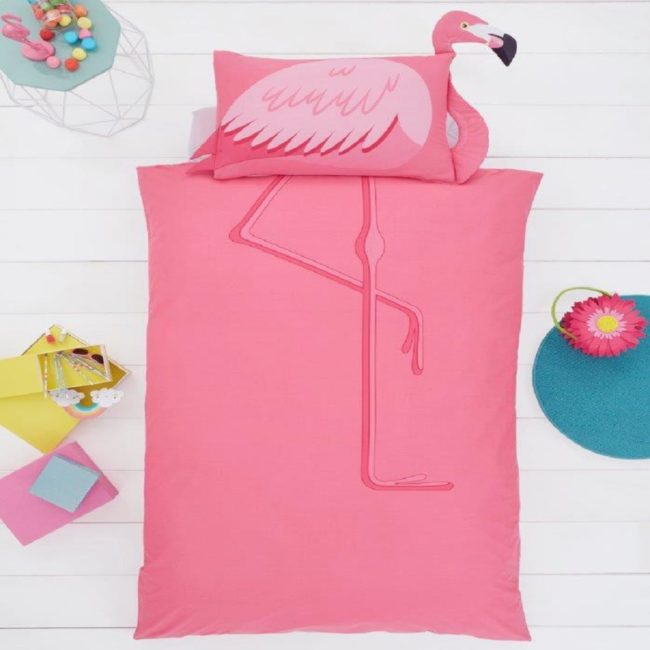 Flamingo shaped duvet sey